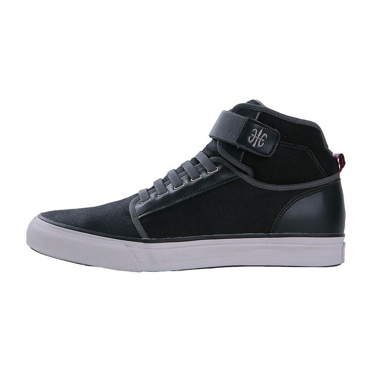 Medio High-Tops Made with canvas and royal pride. Modern short boots tied  up with Velcro and elastic bands sneakers footwear
