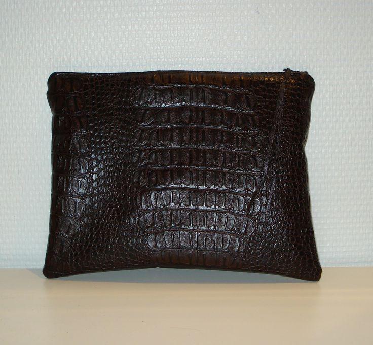 Housse pour tablette 8 pouces maxi simili cuir croco chocolat : Housses ordinateurs et tablettes par lalycoud
