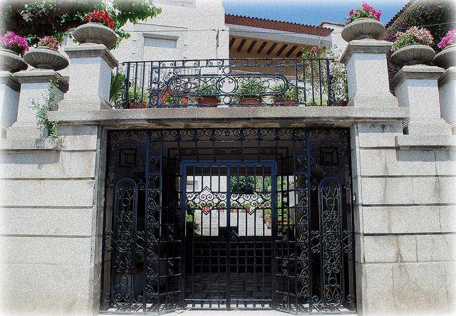 1000 images about portones y accesos on pinterest robert pattinson antigua and wrought iron - Fierro forjado santiago ...