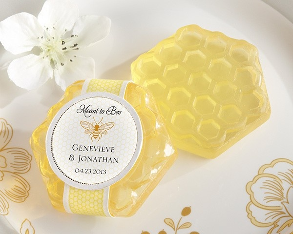 http://www.mybomboniere.it/matrimonio/bomboniere-per-tema/vintage/saponetta-miele-meant-to-bee.html It's all about the new honey in your life, isn't it! And when two people are about to bee honeys together forever, this fragrant favor tells the story of a couple who are simply Meant to Bee on the sweetest day of your life--so far.