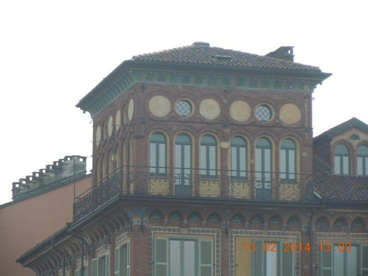 La casa con 12 finestre su Torino: la Torretta di Corso Fiume. - Mole24