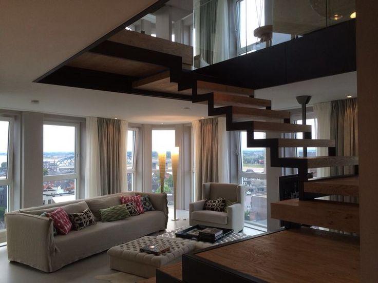 Het interieur van dit luxe appartement werd prachtig vernieuwd! In ...