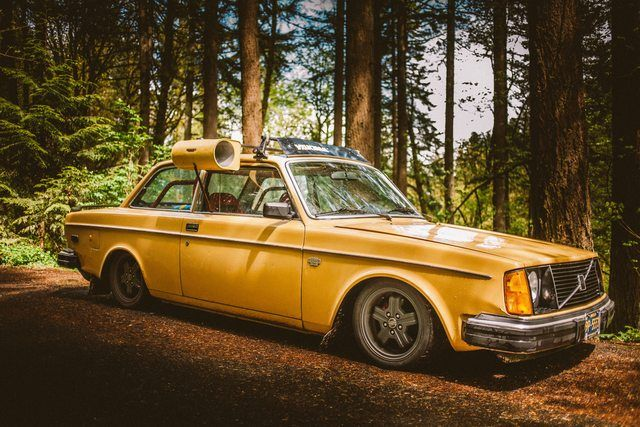1978 Volvo 242 - Lowered with Window Swamp Cooler and Roof ...