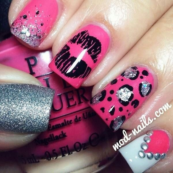 I also love this nail art because it represents my punk and rocker side. Love it!