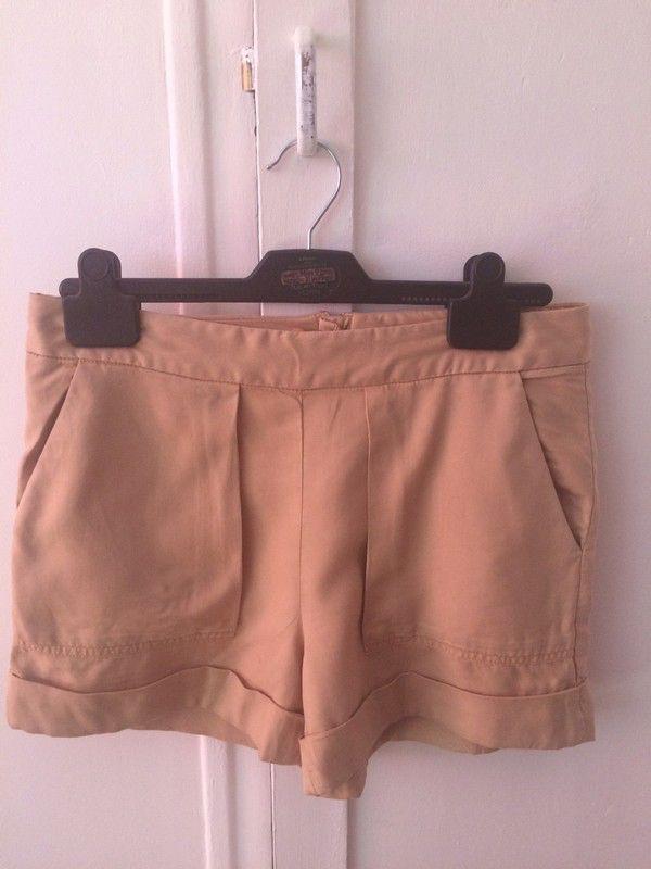 Short coton mélangé marron clair Zara  Zara ! Taille 36 / 8 / S  à seulement 10.00 €. Par ici : http://www.vinted.fr/mode-femmes/autres-shorts/30634317-short-coton-melange-marron-clair-zara.