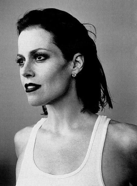 Sigourney Weaver looks holy-crap-drop-dead-gorgeous in this picture. Ellen Ripley continues to be one of my favorite characters, particularly in the second movie, Aliens.