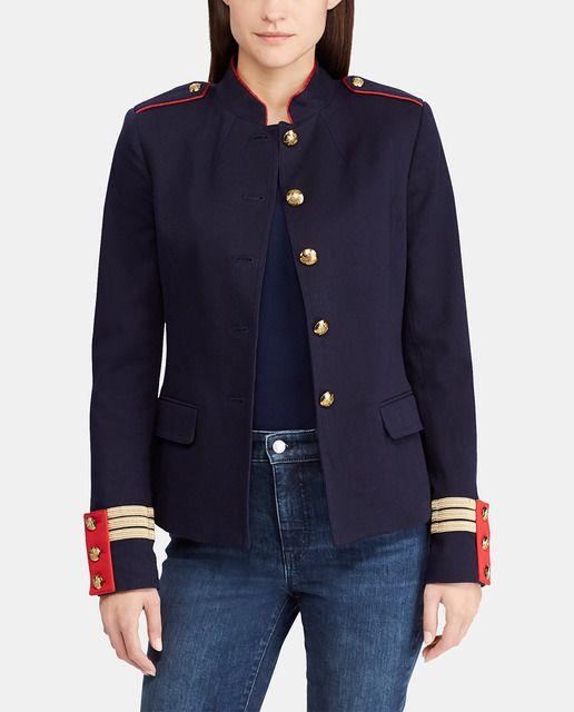 4f4c067bd13 Chaqueta en color azul marino con detalles de estilo militar en hombros y  puños. Tiene