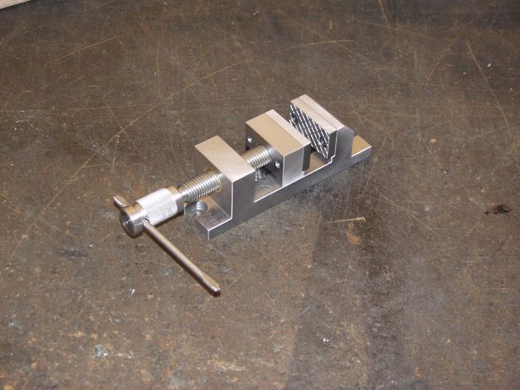 Machinist's Vise by Paul Gagnon -- Homemade machinist's vise fabricated from aluminum. http://www.homemadetools.net/homemade-machinist-s-vise-2