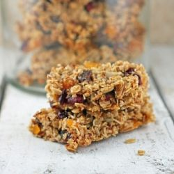Barefoot Contessa's recipe for homemade granola bars, turned into healthy clean-eating granola bars.