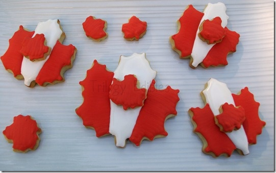 Canada Day maple leaf cookies