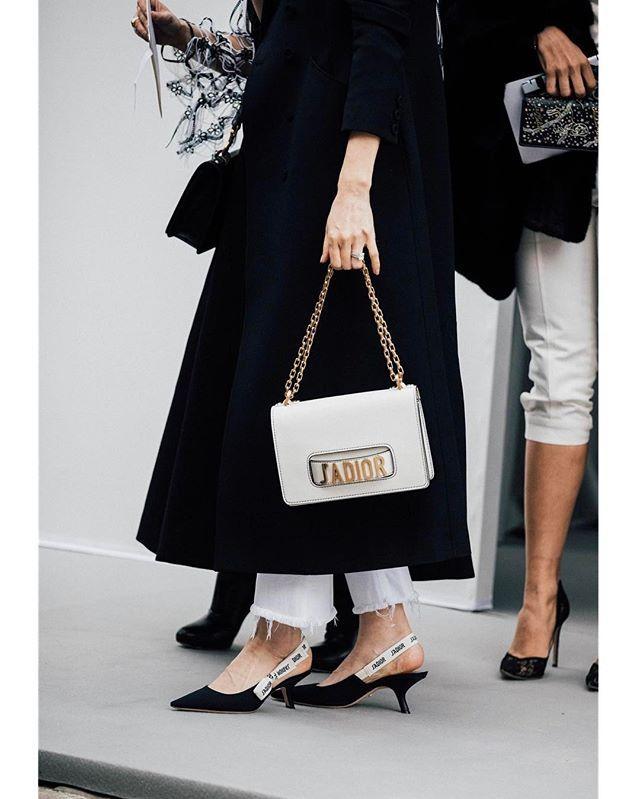 #parisfashionweek @dior |   @garconjon @britishvogue #streetstyle #fashion #blogger #fw17 #fashionweek #pfw #dior #jadior