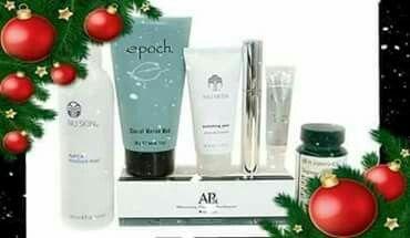Beauty box csomagunk szuper ajándék 7 sikertermék 4 áráért Vásárold meg az alábbi 4 terméket: mikrodermabráziós kezelést helyettesítő bőrradír iszapos maszk ajakfeltöltő szájfény göndörítő szempillaspirál És a többi 3-at ajándékba kapod: zöldtea kapszula (30 db) hidratáló permet arcra, testre, hajra, vagy akár sminkfixáló fehérítő fogkrém Kihagyhatatlan ajánlat!💖
