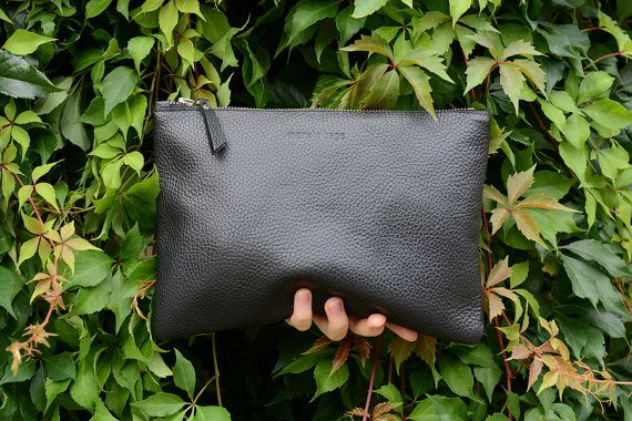 Medio negro cuero grava embrague, grava italiano cuero embrague, embrague de gran tamaño, iPad caso