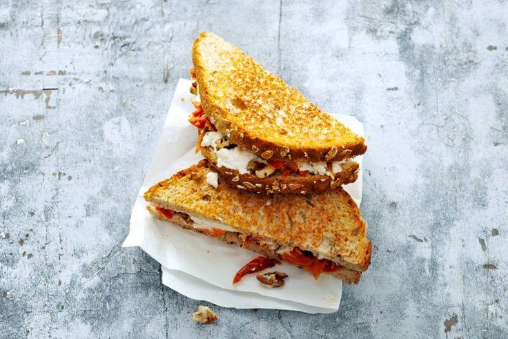 Als je de ingrediënten onder elkaar ziet, kan deze tosti niet anders dan overheerlijk worden! - Recept - Allerhande