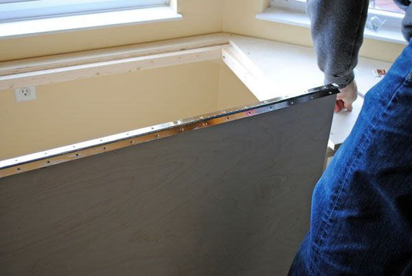 how to build a curved bay window seat