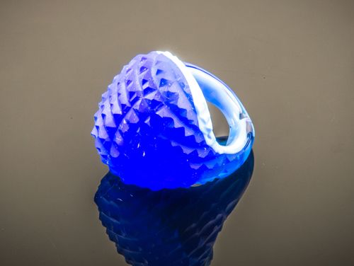 Glazen ring uit Venetië. Mooie kleur kobalt blauw.