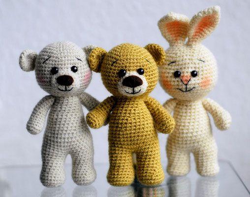 Teddy's - Jzamell Teddy's & Co.  Amigurumi gehäkelt Teddy und Bärchen und Hasi auf dem Weg zum Fotoshooting