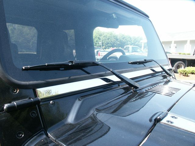 WRANGLER 1997-2006 JEEP (2-door)(1 piece: 1.125W-WINDSHIELD TRM) WT45090