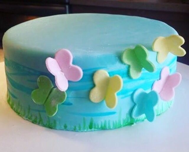 Order custom cakes for any occasion in Surrey, BC at ohmycakes.ca #surreycakes #surreycustomcakes #bccakes #bccustomcakes #vancouvercakes #vancouvercustomcakes #mothersdaycakes #eastercakes #springcakes #cutecakes #butterflycakes