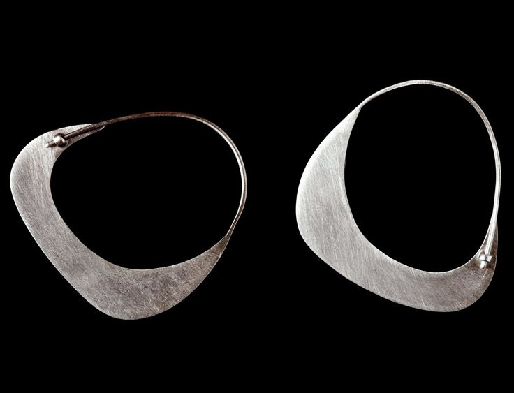 Polina Dimitrova  - earrings, silver. Look at that clever little clasp!