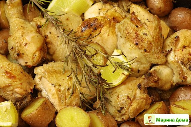 Курица с лимоном, розмарином и картофелем