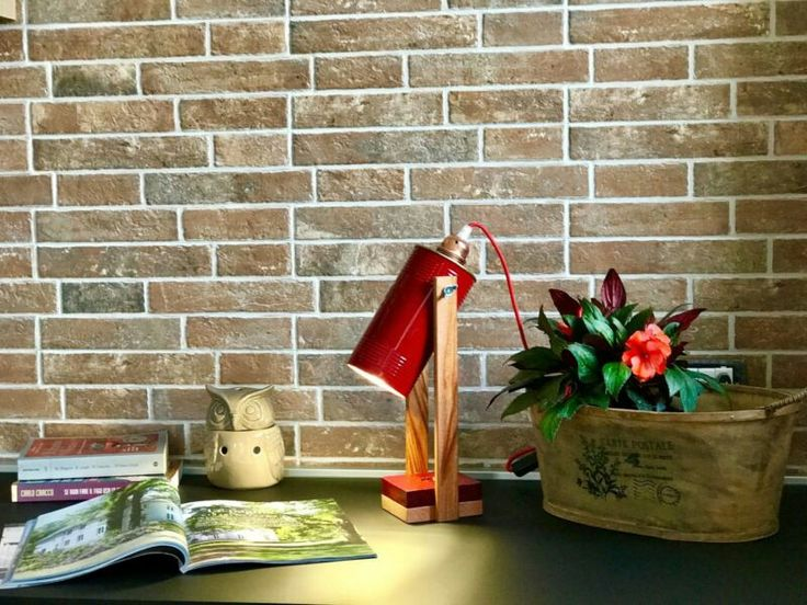 """""""JAR-LIGHT""""  JAR-LIGHT letteralmente lampada-barattolo è un prodotto handmade design innovativo, nasce riutilizzando materiali altrimenti destinati a breve vita di packaging, come barattoli in latta. I componenti utilizzati di prima qualita' e a norma CE garantiscono sicurezza e affidabilita' nell'uso quotidiano. Inoltre il design di tipo industriale con accento vintage conferisce al prodotto un'identita' inconfondibile e originale ottima da potersi collocare in qualunque ambiente e…"""
