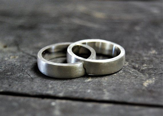 White Gold Wedding Band That Fit Together Wedding Ring Set Simple Wedding Band Couple Ring Set Unique Etsy Wedding Rings Classic Wedding Rings Wedding Rings