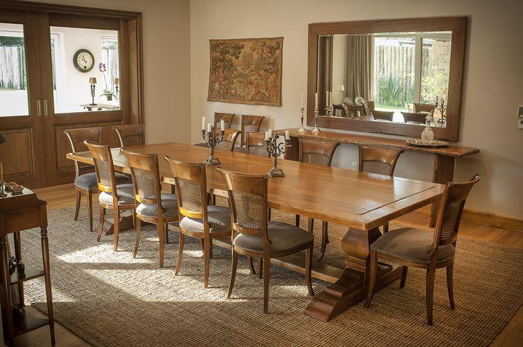 Mesa de comedor realizada con Eucalyptus Grandis de Urufor #Eucalyptus #Muebles #Madera #RedGrandis