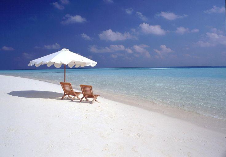 BeachBeach Chairs, Beach Photos, Favorite Places, The Ocean, Vacations Spots, At The Beach, Beach Holiday, Travel,  Sands Bar