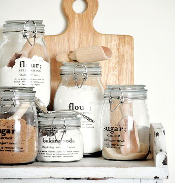 Organizzatori di spezie, farina, sale e zucchero creati con i barattoli di vetro #mason #jar #organizer