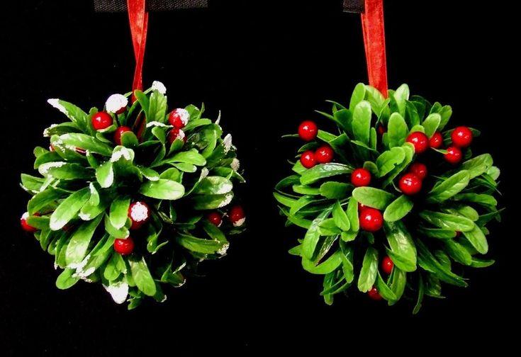 Artificial Mistletoe Topiary Ball Hanging Christmas Xmas Decoration 16cm Green  #UKGardens