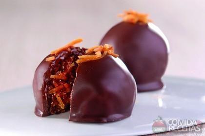 Receita de Bombom de coco queimado em receitas de doces e sobremesas, veja essa e outras receitas aqui!