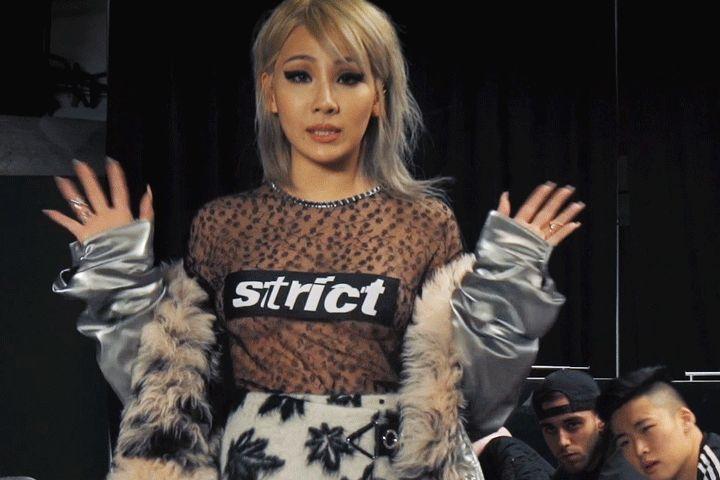 CL 後台演唱《Hello Bitches》謝幕 New York Fashion Week