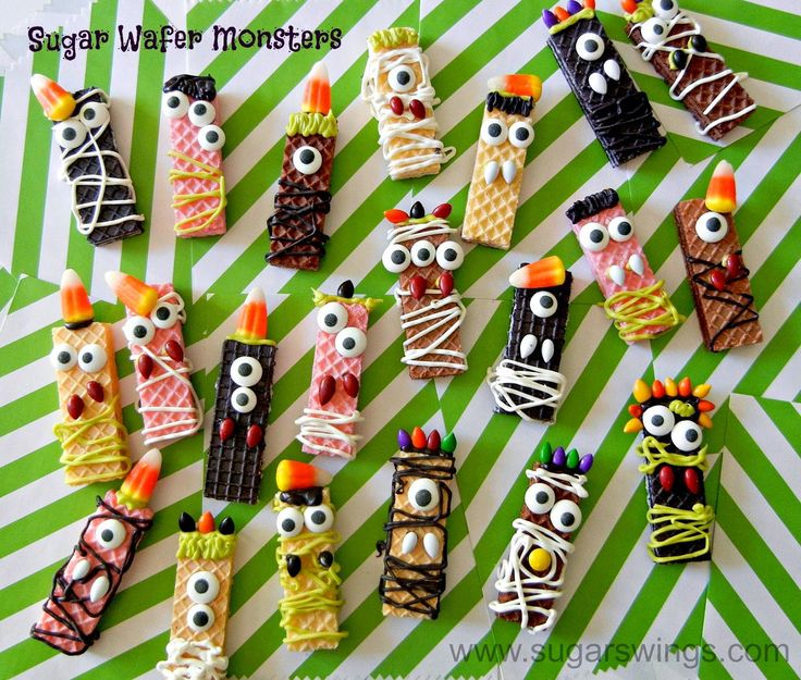 Wafer monster cookies. Great for a Halloween party #recipe #halloween