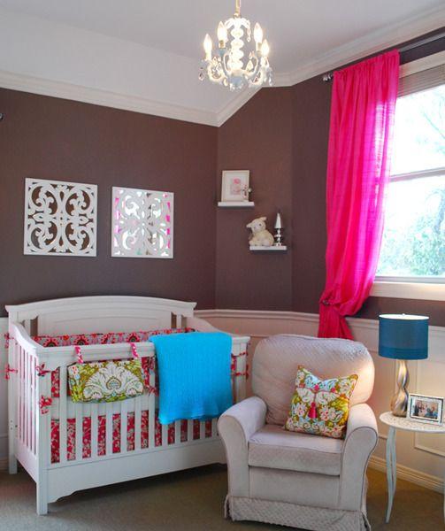 Des couleurs qui donnent un effet wow! pour la chambre de bébé.