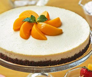 Peachy Cheesecake: Cheesecake Desserts, Recipe Brings, Sublime Combination, Guilt Free Dessert, Low Calorie Cheesecake, Peach Season, Cheesecake Recipes, Peachy Cheesecake, Canned Peaches