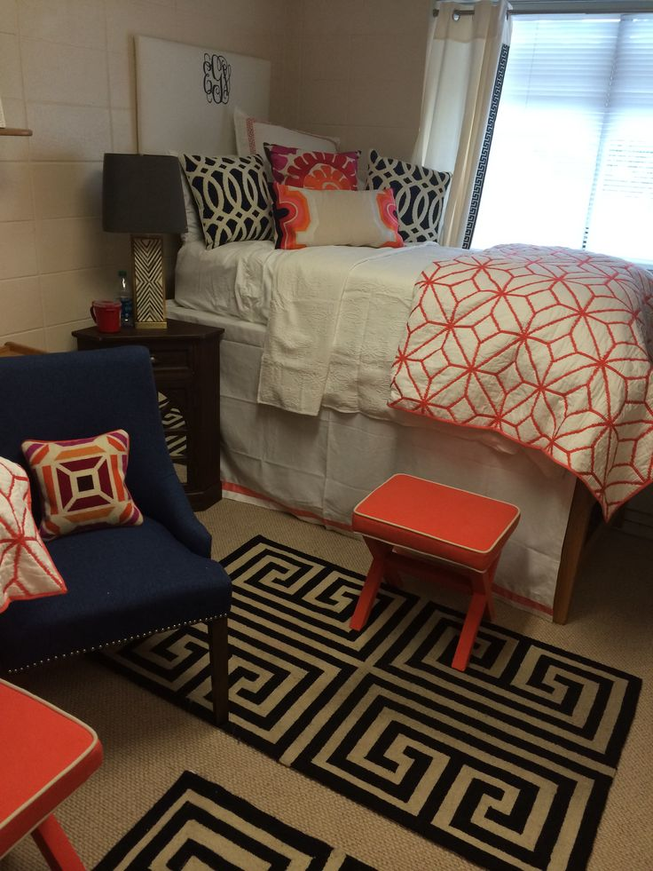 Lizs University of Alabama dorm room at Tutweiler  ~ 021824_Auburn Dorm Room Ideas