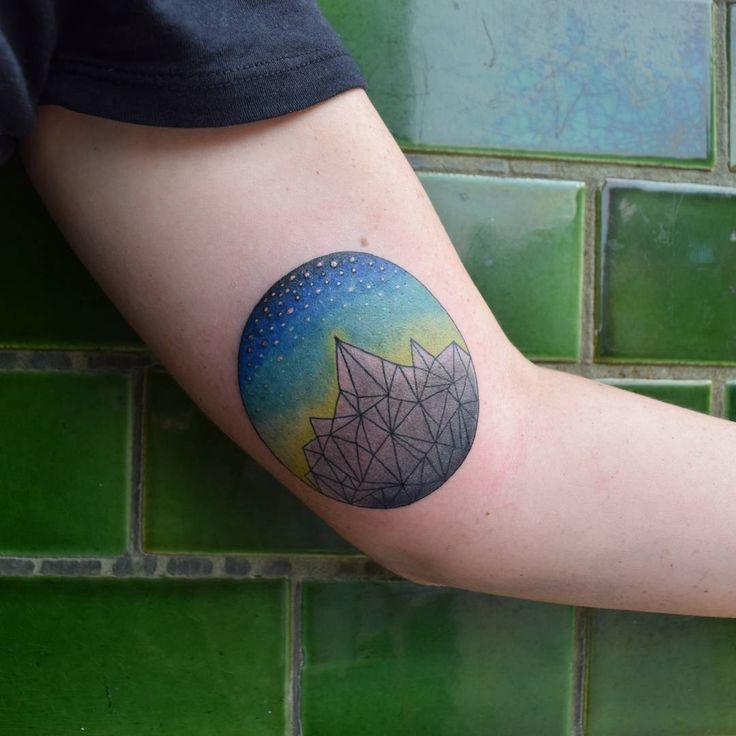 60 spektakuläre Mountain Tattoo Designs und Ideen für jedes Alter Weitere Infos unter tattoo-journal.co …