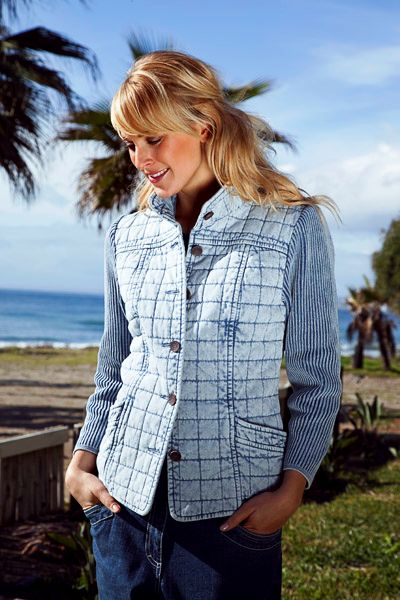 #Blue_Willi's classic Sky Blue quilted jacket 31214-0370-0105. Made from 100% cotton.     Blue Willi's Sky Blue light weight quilted jacket with all cotton knit sleeves, front pockets, mandarin collar and lined in cotton. Quilted.  All finished seams & detailed stitching. As with all Blue Willi's core products, this garment comes pre-washed, tumble-dried and thus pre-shrunk.   It can be machine washed, so no dry cleaning bills! Just follow the instructions given on the care