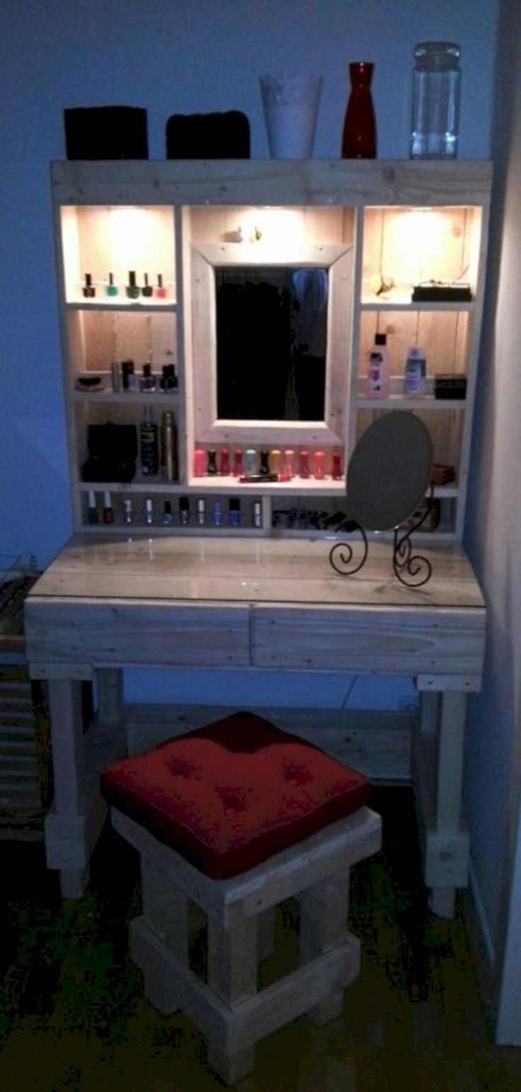 Best 25 vanity decor ideas on pinterest makeup vanity for Makeup vanity plans