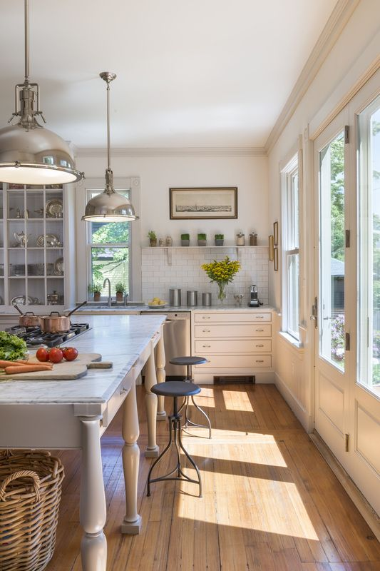 Maybe the kitchen doors can be doubled and face of to the South/patio for the sun