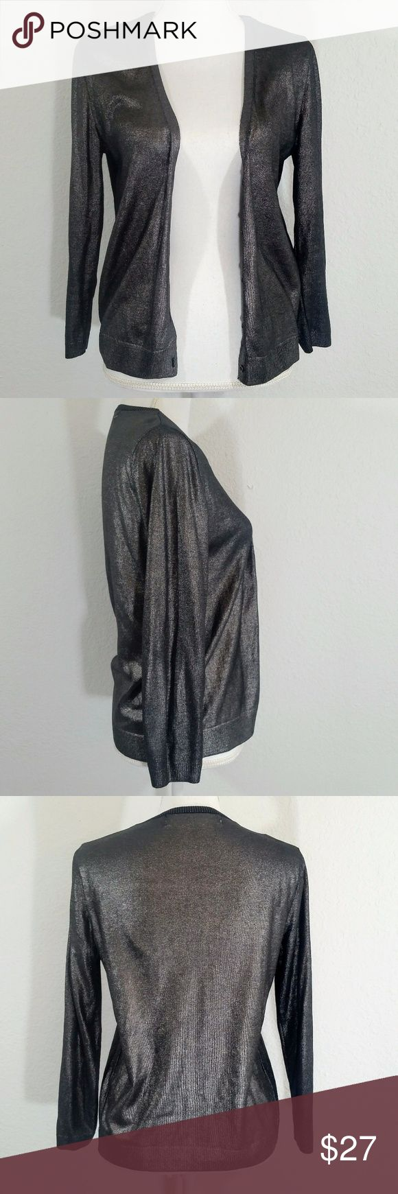 """Zara Knit Metallic Cardigan #186 Hi Guys! i'm Selling this Zara Knit metallic cardigan! It's a size Large in good Condition. there's a mark on the inside of the cardigan shown is picture 7. Measurements: Pit to pit is 18"""". Waist about 17"""". Length 23"""". Zara Sweaters Cardigans"""