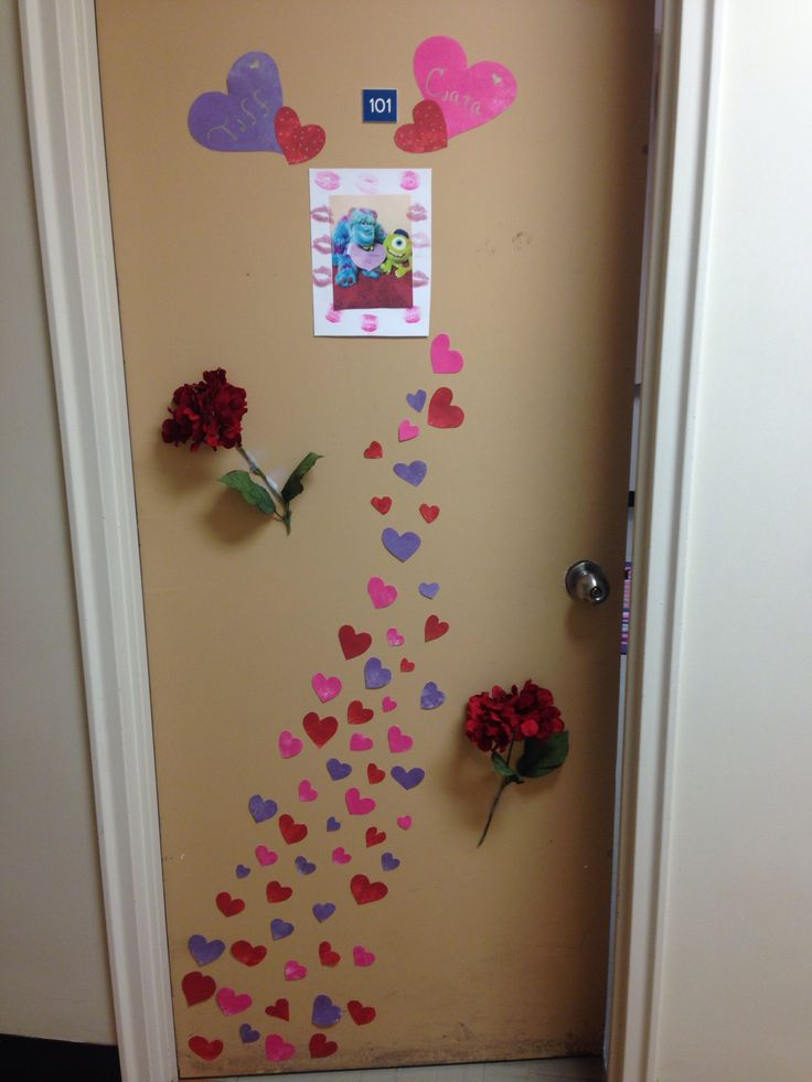 College dorm door valentines day idea !