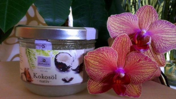 Kokosový olej je doslova superpotravinou s úžasnými účinkami pre zdravie, krásu a redukciu hmotnosti. Ešte stále ste mu nepodľahli? Tu je desať tipov, prečo si ho kúpiť.