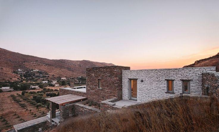 Η κατοικία ''Rocksplit'' έργο των ''Cometa Architects'' .