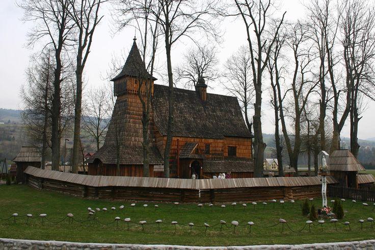 Polen_Holzkirche_in_Debno_Podhalanskie_1600.jpg (1600×1067)