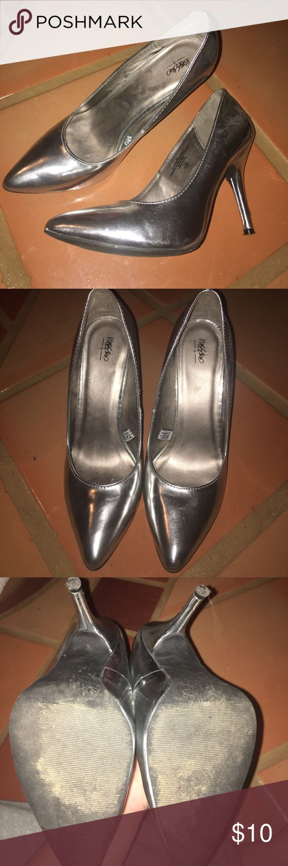 🦄 Silver metallic pumps size 8.5🦄 Gently worn, scuff on heel Mossimo Supply Co Shoes Heels