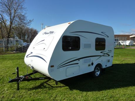 Prolite Profil Sleeps 4 And Has A Full Bath Small Campers Trailers Pinterest English