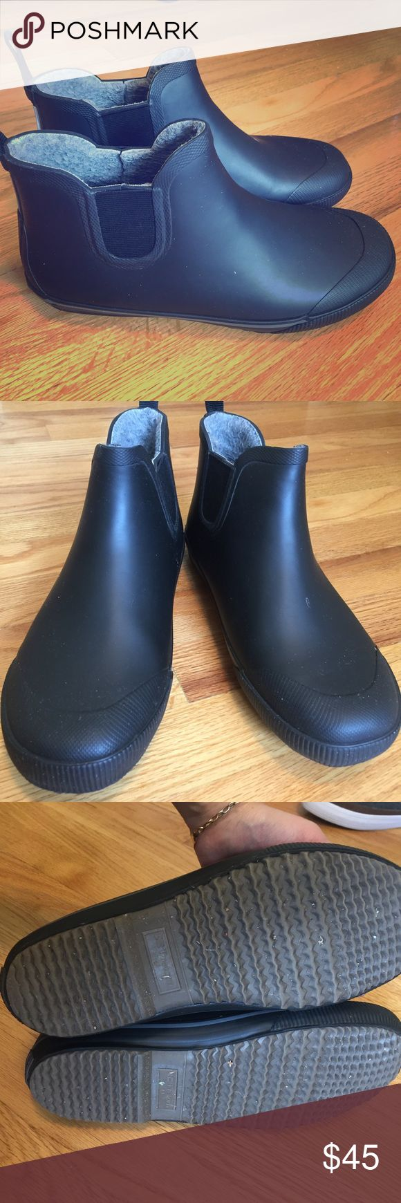 Men rain boots Great condition. Been worn a few times only. Very comfortable and great quality. Feel free to make me a reasonable offer treton Shoes Rain & Snow Boots