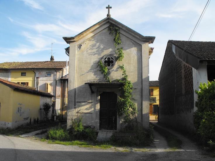 Chiesa sconsacrata - Ca de Gatti - Provincia di Cremona - Maggio 2013